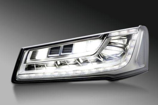 LED Matrix headlamp with glare-free high beam, Audi A8