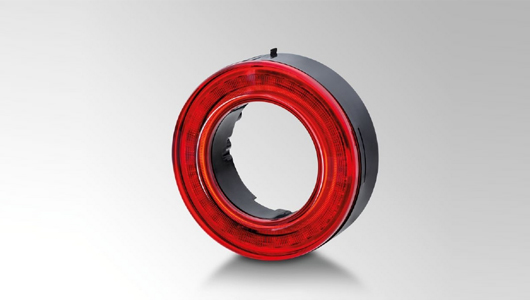 Rotes LED-Ringmodul in innovativer LED-Edge-Light-Technologie, von HELLA