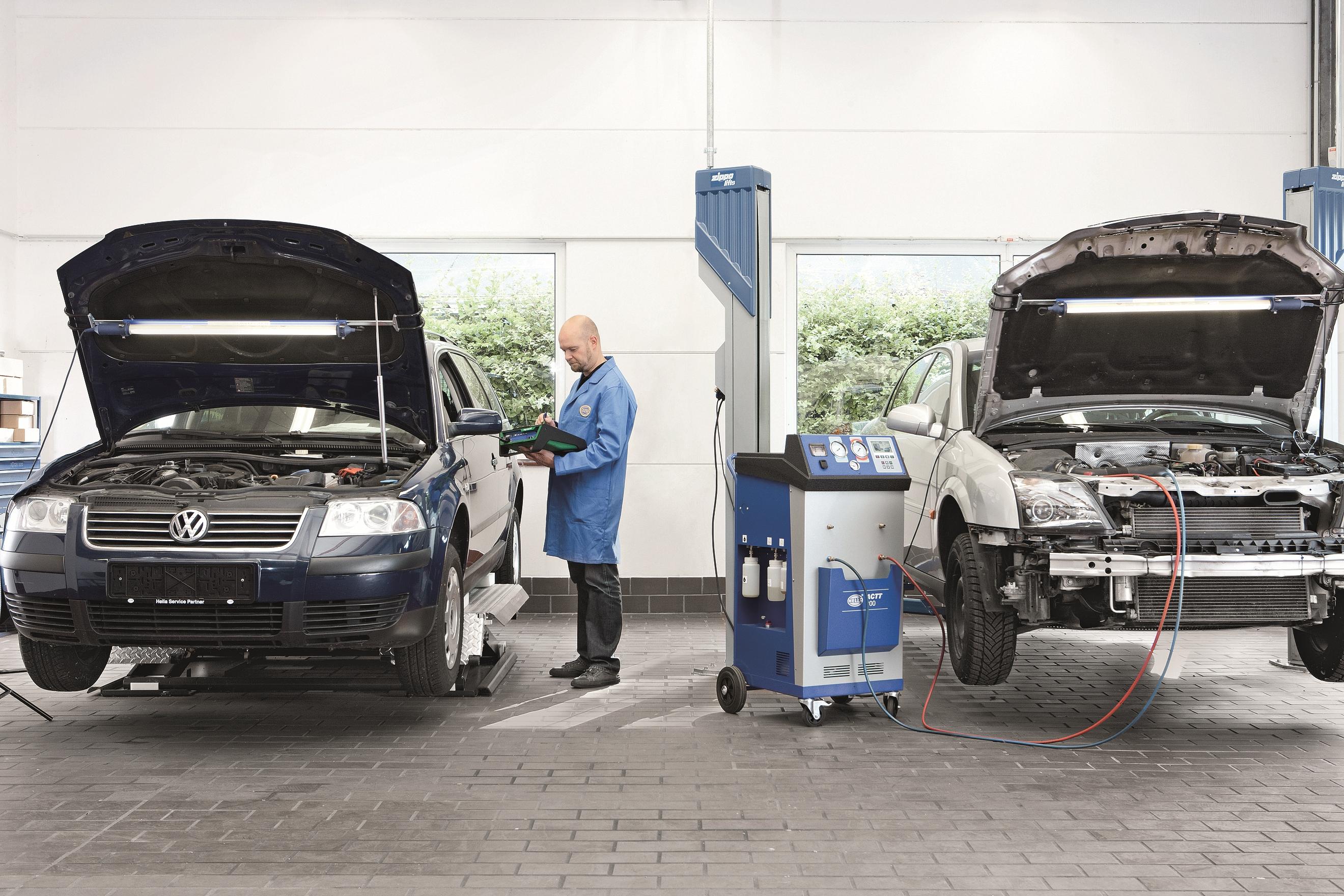 Garage Services Hella 7642 Vehicle Diagnostics At The Photo