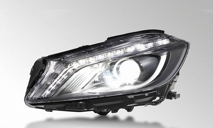 Xenon headlamp with Intelligent Light System (ILS) and adaptive high beam assistant (aCOL – adaptive Cut-Off Line), Mercedes A-Class