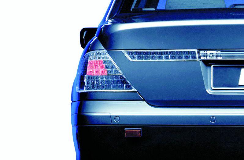 Car indicators & signal lights: regulations, faults, tests