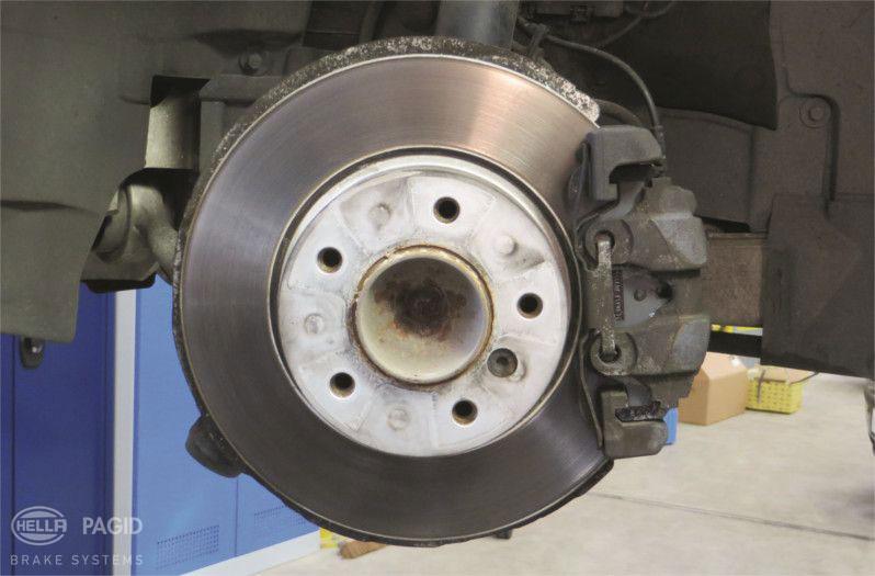 bremsscheiben & bremssattel wechseln | hella pagid