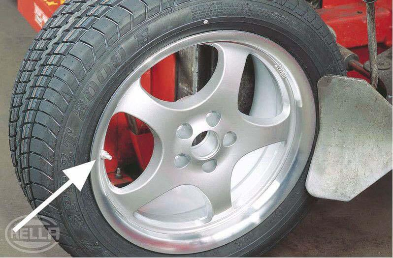 Checking tyre pressures Honda Jazz