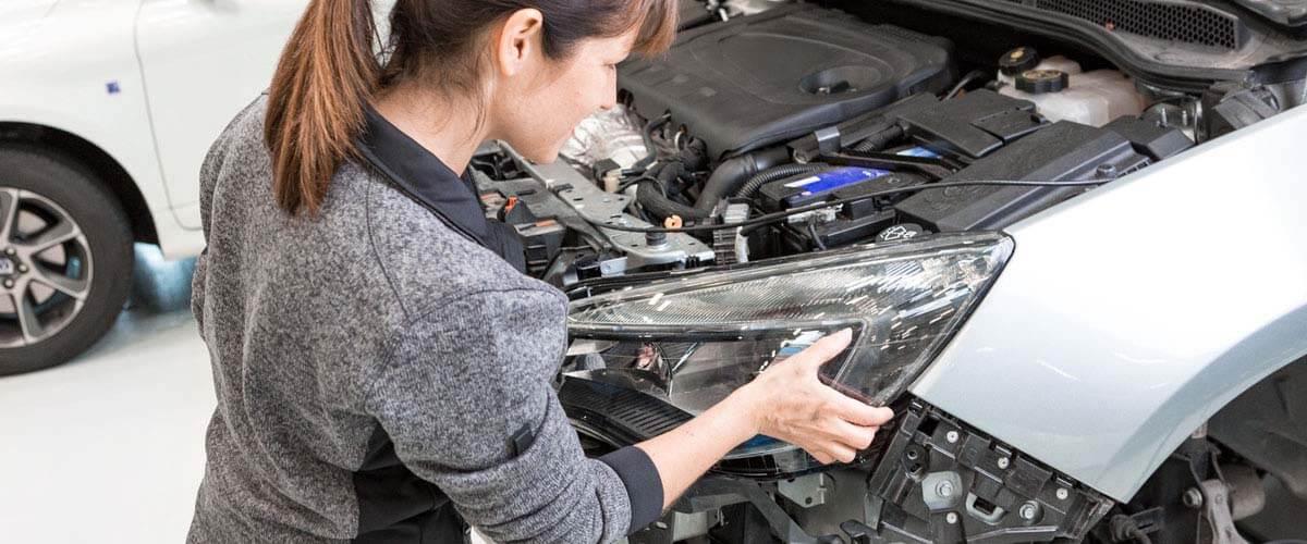 Luces traseras blancas compatibles con camiones de 12-24 V resistentes al agua a los impactos Dos bombillas para matr/ícula de coche con 4 ledes