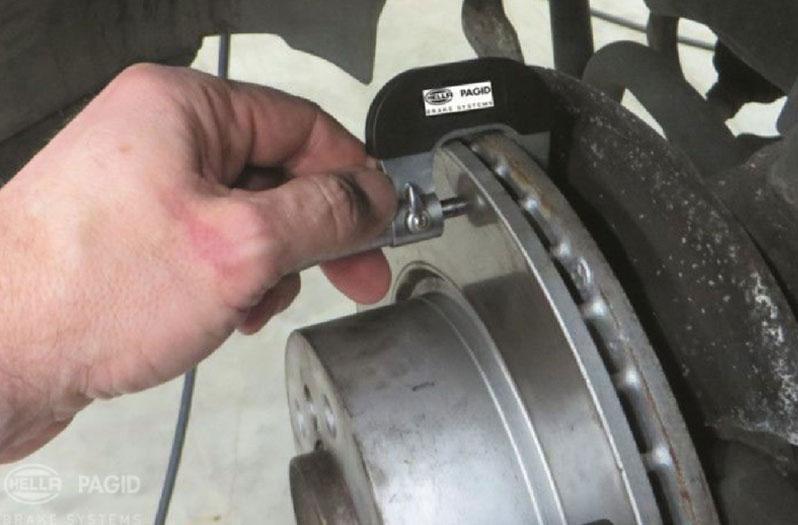 Failure modes of brake discs and brake pads | HELLA PAGID