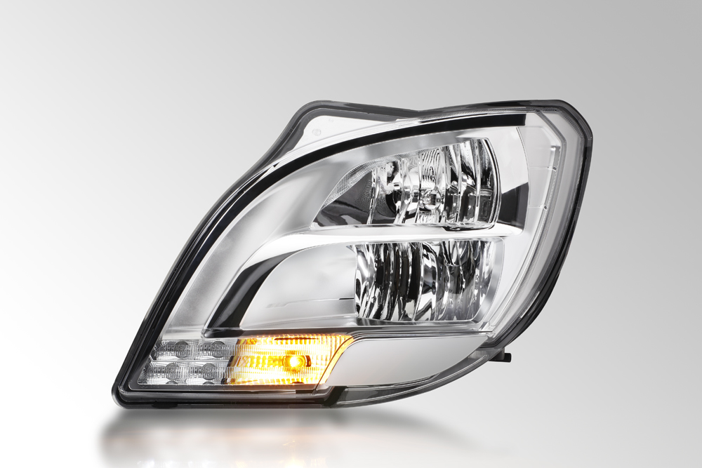 The first LED headlamp for trucks from HELLA with direction indicator switched on